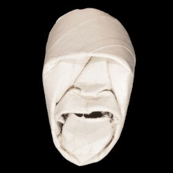 Masque en rouleau de papier...